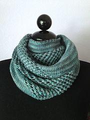 Ravelry: Vancouver Rain Cowl pattern by Deborah Dar Woon Beginner Knitting Patterns, Knit Patterns, Knitting Projects, Crochet Scarves, Crochet Yarn, Knit Shawls, Lace Knitting, Knitting Stitches, Vancouver Rain