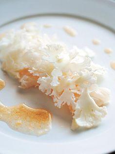Recipe:カリフラワーと白身魚のサラダ/たっぷりカリフラワーでカルパッチョがサラダに! #レシピ