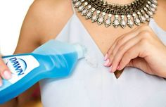 Hacks for Fixing Ruined Clothes Use Dawn Dishwashing Liquid to lift oil stains from delicate clothing.Use Dawn Dishwashing Liquid to lift oil stains from delicate clothing. Dawn Dishwashing Liquid, Remove Oil Stains, Red Wine Stains, Talc, Bra Hacks, Clean Baking Pans, Deep Cleaning Tips, Cleaning Solutions, Glass Cooktop