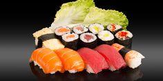 KITAMI - 14 pièces - 6x nigiri: thon, saumon, crevette cuite, omelette 8x maki: saumon, thon, radis confits, peppadew Omelette, Bento, Sushi, Ethnic Recipes, Cooked Shrimp, Tuna, Omelet, Sushi Rolls