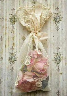 vintage lace bag