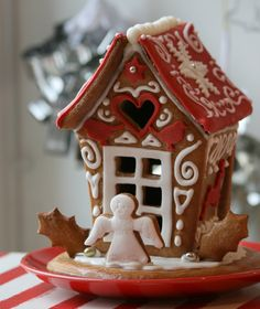 Christmas gingerbread house by:https://www.facebook.com/gingerbreadhousecompany