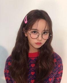 #KimSohyun #Sohyun Child Actresses, Korean Actresses, Korean Actors, Kim So Hyun Fashion, Korean Girl Fashion, Cute Girls, Cool Girl, Hyun Ji, Kim So Eun