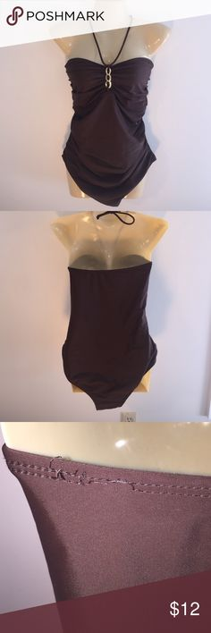 Anne Cole Size 16 Classy Chocolate One Piece Anne Cole Size 16 Classy Chocolate One Piece  Halter neck tie , gold chain detail , runching at tummy slims silhouette, no padding threading unraveling in back left area see 3rd pic anne cole Swim One Pieces