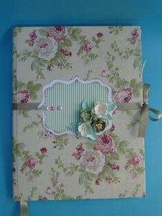 Caderno de anotação com técnica de scrapbook https://www.facebook.com/pages/Alecrim-Artes/239421516106971