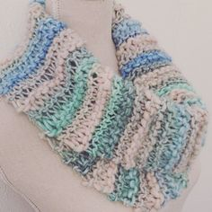Scarf Women Loopscarf Cowls White Blue Chunky green Cowl Knitted Accesoires Scarves Fall Winter Christmas Gift Fashion door Sanneva op Etsy https://www.etsy.com/nl/listing/251995707/scarf-women-loopscarf-cowls-white-blue