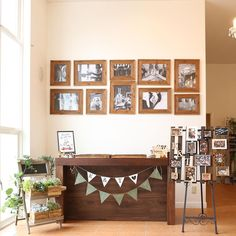 いいね!10件、コメント1件 ― @momi.y23のInstagramアカウント: 「スタッフさんたちが素敵に飾ってくれた受付スペース🙆✨ #ゲストハウス#結婚式#ウェルカムスペース #花嫁」