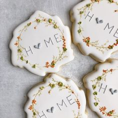 Let's stay H🧡ME☕️ Currently obsessed with wreath cookies🤷♀️ and this cutter/stencil combo from is so versatile! I can't wait… No Bake Sugar Cookies, Royal Icing Cookies, Fall Cookies, Valentine Cookies, Different Kinds Of Cakes, Caramel Shortbread, Cookie Designs, Cookie Ideas, Caramel Recipes