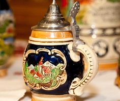 German Beer Steins, Oktoberfest Beer, Beer Brewing, Grooms, Dallas Cowboys, Cities, Vase, Places, Beer Mugs