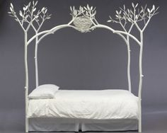 Tree bed design look like four tree that was attached to the top with a bird's nest. Bird's nest above tree bed add a view of exotic nature in this bedroom design. Metal Canopy Bed, Canopy Bed Frame, White Canopy, Tree Canopy, Boudoir, Tree Bed, Dreams Beds, Cool Beds, Elle Decor