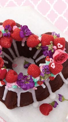 Sweets Recipes, Fun Desserts, Delicious Desserts, Valentines Food, Valentine Treats, Tortas Deli, Cupcake Cakes, Cupcakes, Raspberry Desserts