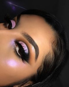 Three Essential Make Up Tips: Eyeliner Makeup Eye Looks, Cute Makeup, Glam Makeup, Gorgeous Makeup, Pretty Makeup, Makeup Inspo, Makeup Art, Makeup Inspiration, Beauty Makeup