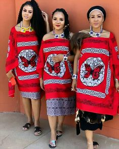 Swati Beauties In Red Emahiya Traditional Attire and Ligcebesha Necklaces - Clipkulture Zulu Traditional Attire, South African Traditional Dresses, Traditional Wedding Attire, Traditional Outfits, Latest African Fashion Dresses, African Print Fashion, Africa Fashion, African Prints, African Patterns