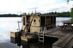 Happy Adventure - Bolger Houseboat