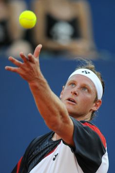 David Nalbandian was born in the small city of Unquillo in Córdoba Province , Argentina .His mother is of Italian descent and his father is of Armenian descent.He became a professional tennis player at the age of 18.He was runner-up at the 2002 Wimbledon Championships and the winner of the Tennis Masters Cup in 2005.He has also won two Masters 1000 events and reached the semifinals or better at all four Grand Slam tournaments.