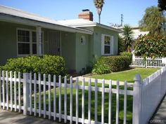 Love the #green paint on this Long Beach home