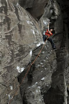 www.boulderingonline.pl Rock climbing and bouldering pictures and news Keep climbing. #Meet