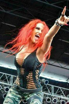 Rocker Girl, Rocker Chick, Butcher Babies, Ladies Of Metal, Heavy Metal Girl, Hot Goth Girls, Botas Sexy, Women Of Rock, Guitar Girl