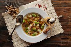 Bouillon de ravioles aux cèpes, fèves et os à moelle / Poricini ravioli, beans and marrowbone Stock