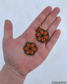 Seed Bead Earrings, Flower Earrings, Women's Earrings, Seed Beads, Glass Earrings, Womens Jewelry Rings, Jewelry Gifts, Women Jewelry, Jewelry Bracelets