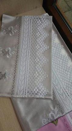 Crochet Symbols – Easy Zippered Box Pouch Tutorial - Bed and Bedcover Filet Crochet, Crochet Lace Edging, Crochet Borders, Tunisian Crochet, Crochet Poncho, Crochet Stitches, Crochet Patterns, Crochet Home, Hand Crochet