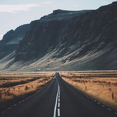 Iceland, where no stretch of road is boring. ⛰