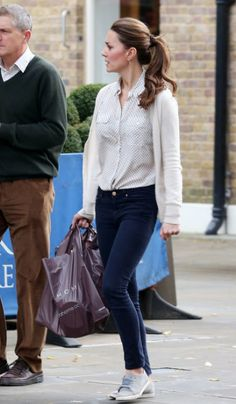 Kate Middleton wearing Mulberry Polly Push Lock Bag, Kiki McDonough Citrine Drop Earrings, Mint Velvet Taupe Suede Plimsolls, Jack Wills Deb...