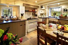 Google Image Result for http://www.bestarchitecturaldesigns.com/wp-content/uploads/2011/10/Farmhouse-Kitchens-Designs-Fruit-Table.jpg