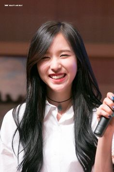 Myoui Mina long black haired mina is unbeatable Nayeon Twice, Twice Kpop, Myoui Mina, Curly, Dahyun, Popular Girl, Black Swan, One In A Million, Korean Girl Groups
