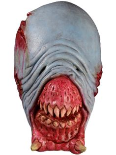 We are proud to present the Eligos Deadite Mask from Starz original series Ash vs Evil Dead. Based on hundreds of on screen and off screen shots of Ash's biggest nemesis from season one, now you can be ultimate Deadite this Halloween. Halloween Club, Scary Halloween Masks, Scary Mask, Trendy Halloween, Halloween Costumes, Marvel Dc, Evil Dead Trilogy, Trick Or Treat Studios, Top Film