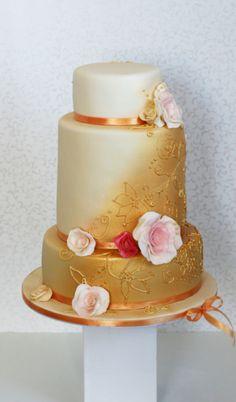 Wedding Cake by Dorty Havelková.          cakeswebake.com