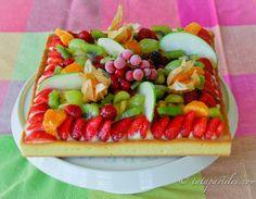 Tarta de frutasMi Tarta de frutas era este verano LA tarta... Muy fresquita, muy generosa con la variedad de frutas y la crema pastelera. A todos les encanta !P