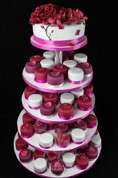 Hochzeitstorte - Purple Rain wedding cake. ~ Austria