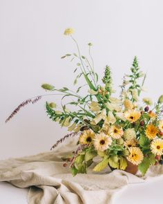 I see you, August. Yellow Wedding Flowers, Winter Wedding Flowers, Floral Wedding, Yellow Flowers, Wedding Bouquet, Gold Wedding, Wedding Reception, Calendula, Floral Centerpieces
