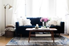 After living in my Russian Hill apartment for almost a year, I thought it was about time I shared a full tour of the place. Now, I've never lived in a studio apartment before, so decorating i…