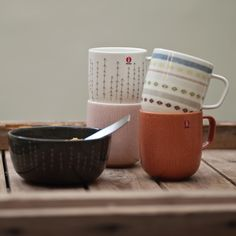 Iittala's Sarjaton is a range of tableware with various colours, shapes and patterns. The name Sarjaton means 'no series' and invites every home to compose their own unique collection of mugs, bowls and plates.