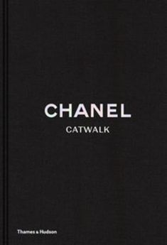 Chanel catwalk: the complete Karl Lagerfeld collections – Notabene Linda Evangelista, Claudia Schiffer, Cara Delevingne, Kate Moss, Coco Chanel, Karl Lagerfeld, Charts, Catwalk, First Time
