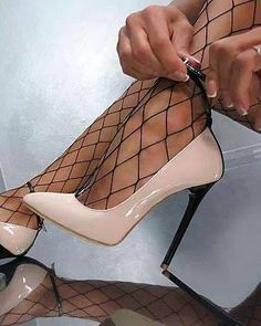 Pin by Nhu on Shoes(Dress) in 2019 Hot High Heels, Sexy Heels, Shoes Flats Sandals, Shoe Boots, Prom Shoes, Dress Shoes, Cute Shoes, Me Too Shoes, Walk In My Shoes
