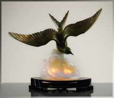 Huge 1920s French ART DECO Sea Gull SABINO Opalescent Glass LIGHT