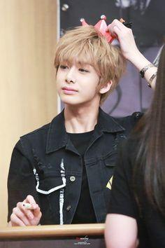 So cute Hyungwon #HYUNGWON #MONSTAX