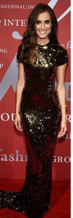 Allison Williams: Dress – Lanvin  Jewelry – Fred Leighton  Shoes – Brian Atwood