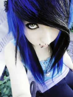 I LOVE the emo scene hairstyles! I just wish I could pull them off. But I am Goth.not emo.I just LOVE the emo hairstyles 😍 Black Emo Hair, Black Scene Hair, Emo Scene Hair, Blue Hair, Lilac Hair, Pastel Hair, Gray Hair, White Hair, Punk
