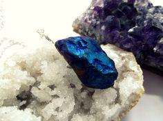 #gemstones #boho #necklace #festival #vintage #handmade #blue #orange #wirewrap #chain #titaniumquartz #gemnecklace #etsy #hippie #bohemian #jewellery