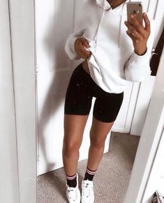 baddie outfits for winter Lazy Day Outfits, Chill Outfits, Sporty Outfits, Everyday Outfits, New Outfits, Trendy Outfits, Summer Outfits, Cute Outfits, Fashion Outfits
