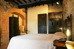Classic Room L'Angiolo - external entrance at ground floor with little private patio. Not panoramic (20MQ).