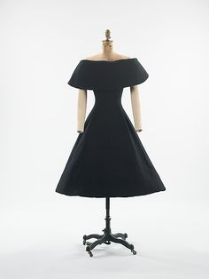 House of Dior    Designer:Christian Dior.   Date:1956–57