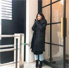 하영; hayoung ❥ APINK South Korean Girls, Korean Girl Groups, Canada Goose Jackets, Panda, Rain Jacket, Windbreaker, Like4like, Raincoat, Winter Jackets