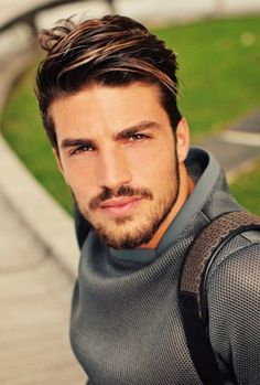 50 excellent hairstyles for mens 2018 Mens Haircuts 2018 Haircuts for men, Men haircut 2018 Long Face Haircuts, Cool Mens Haircuts, Cool Hairstyles For Men, Hairstyles Haircuts, 2018 Haircuts, Biy Haircuts, Classic Mens Hairstyles, Elegant Hairstyles, Hair And Beard Styles