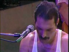 ▶ Queen - We Will Rock You and We Are The Champion (Live) - YouTube