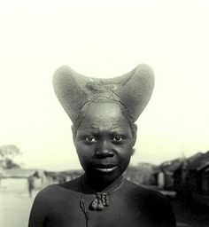 Kuba-Nbengi Forehead Scarification and Hair Styled with Redwood Paste. Photo by Jan Vansina, 1956. Image courtesy of the University of Wisconsin.